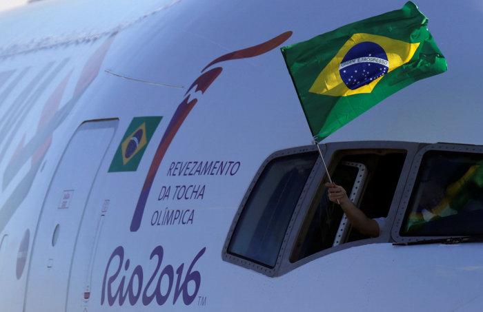 Στη Βραζιλία έφτασε η Ολυμπιακή φλόγα από τη Γενεύη - εικόνα 5