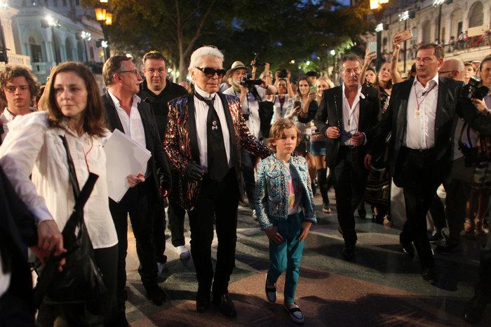 Η Ζιζέλ στα catwalk της Αβάνας. Iστορική επίδειξη της Chanel - εικόνα 3