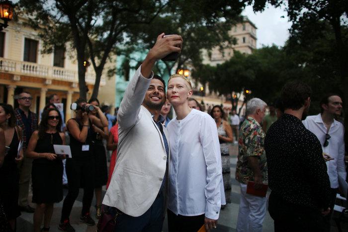 Η Ζιζέλ στα catwalk της Αβάνας. Iστορική επίδειξη της Chanel - εικόνα 10