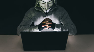 xtupima-twn-anonymous-stin-trapeza-tis-ellados