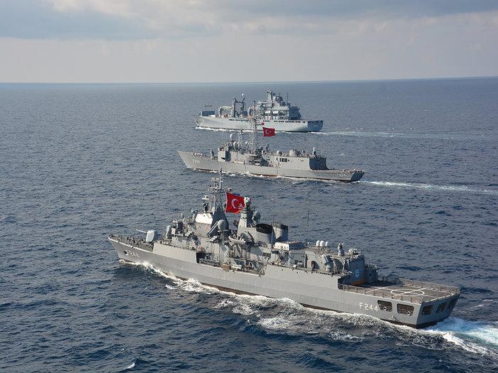 «Διχοτομούν» το Αιγαίο για ναυτικές ασκήσεις οι Τούρκοι - εικόνα 2