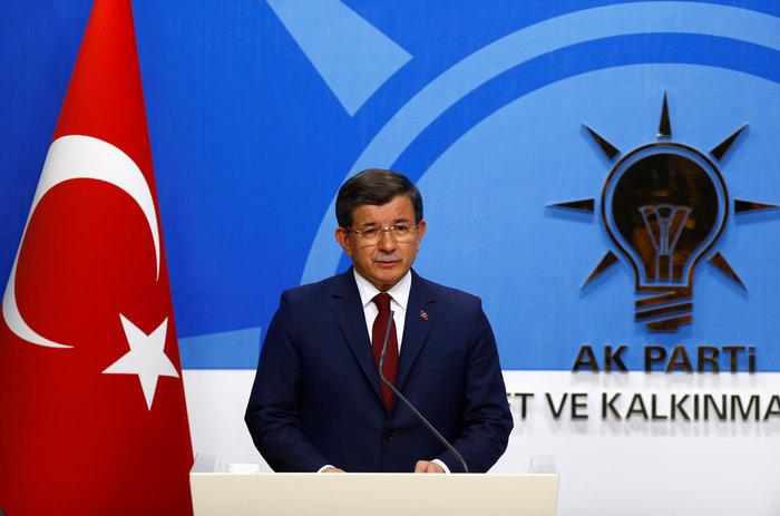 Νταβούτογλου: Δεν θα πω ποτέ κακή κουβέντα για τον Ερντογάν
