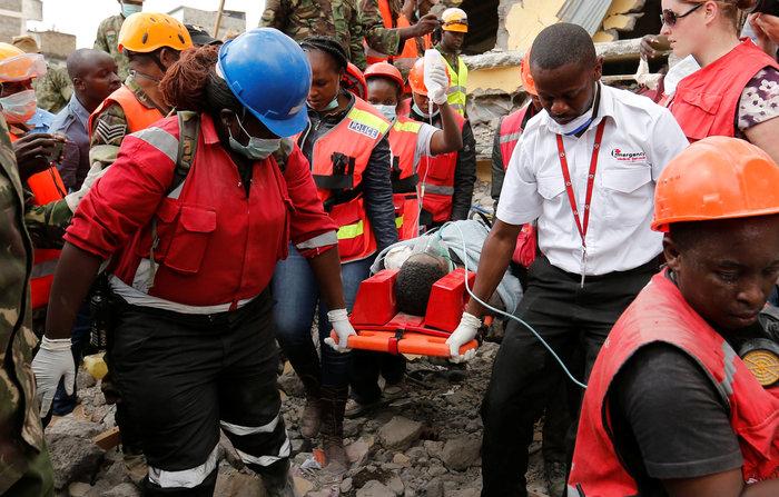 Θαύμα στην Κένυα: Βρήκαν γυναίκα ζωντανή 6 μέρες μετά την πτώση κτιρίου - εικόνα 2