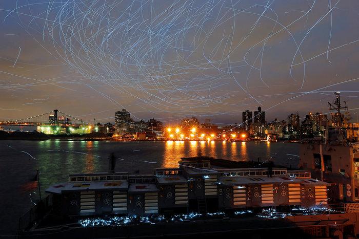 Ο ουρανός του Μπρούκλιν φωτίστηκε από... περιστέρια - εικόνα 8