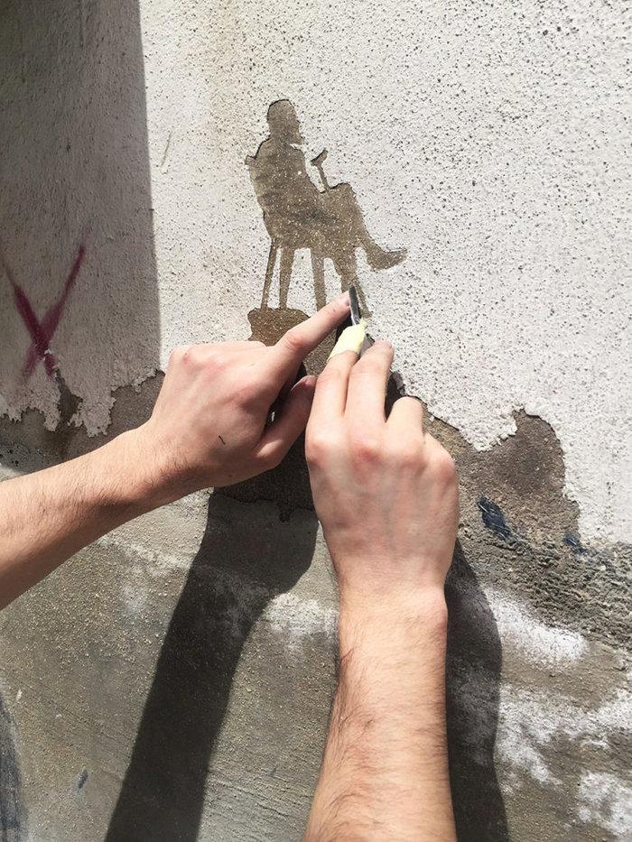 Οι τοίχοι ενός στρατοπέδου γίνονται έργο τέχνης φωτό - εικόνα 3