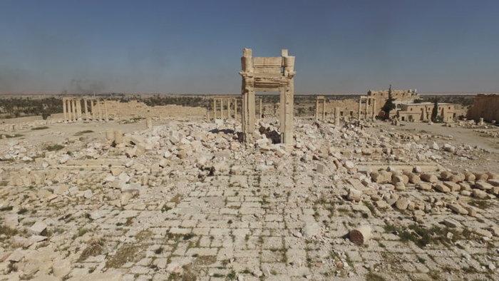 Αεροφωτογραφίες και βίντεο της Παλμύρας δείχνουν την απόλυτη καταστροφή - εικόνα 2