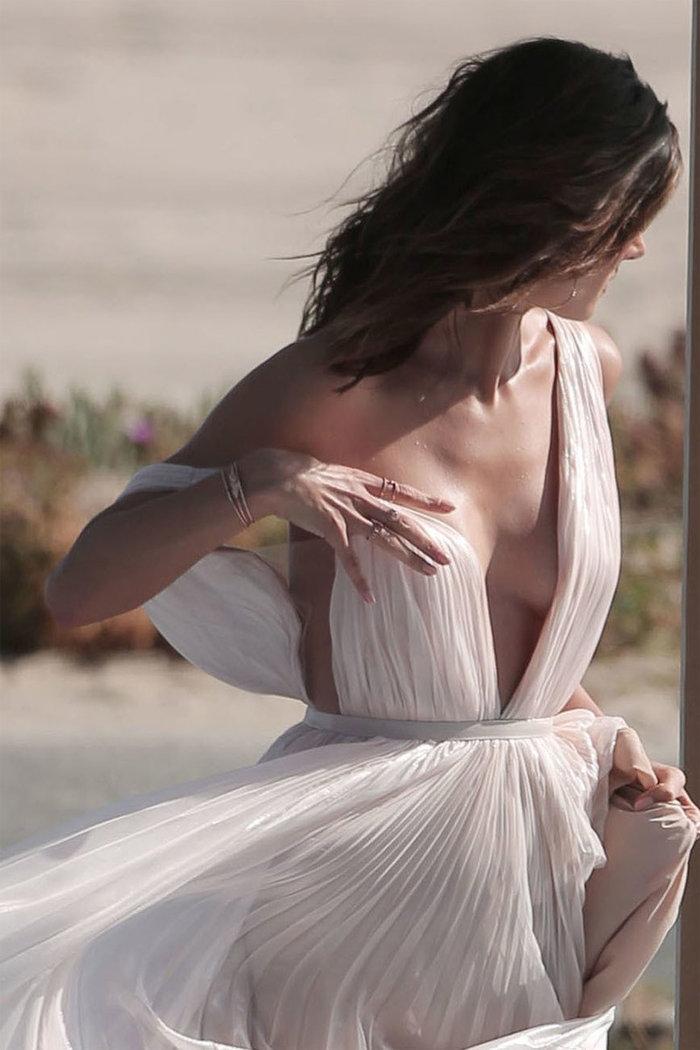 Το σέξι «ατύχημα» της Alessandra Ambrosio σε κοινή θέα - εικόνα 4