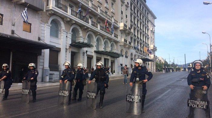 Χιλιάδες εργαζόμενοι στο αστυνομοκρατούμενο κέντρο - εικόνα 7