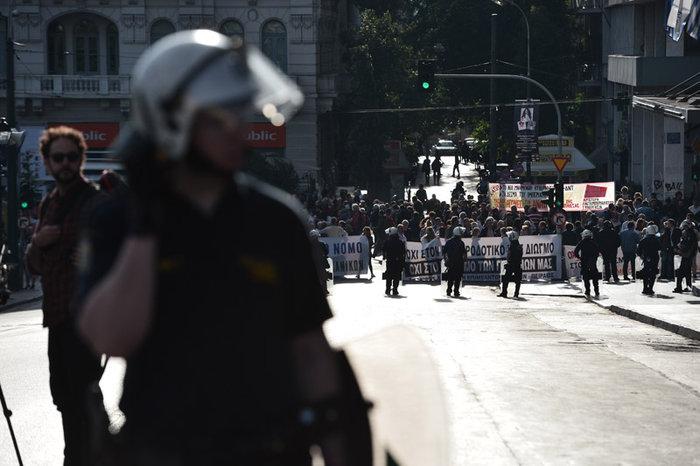 Χιλιάδες εργαζόμενοι στο αστυνομοκρατούμενο κέντρο - εικόνα 9