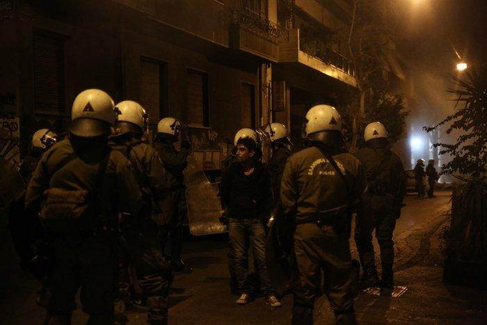«Πολυεθνική» συλλήψεων μετά τα επεισόδια στα Εξάρχεια - εικόνα 2