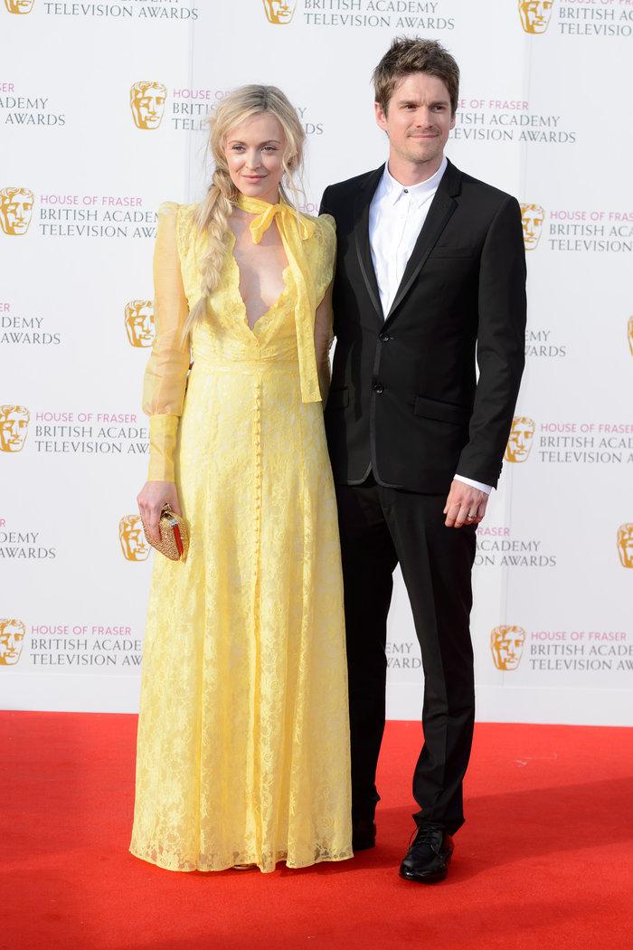 Βραβεία BAFTA TV 2016 με λάμψη στο κόκκινο χαλί - εικόνα 9