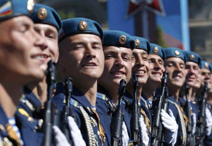 Η μεγαλειώδης παρέλαση στην Κόκκινη Πλατεία για τη νίκη επί των ναζί - εικόνα 10