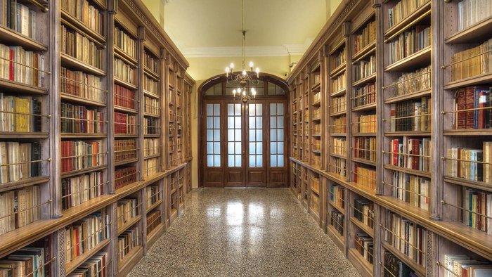 Στα άδυτα της γνώσης:16 υπέροχες βιβλιοθήκες στην Αθήνα - εικόνα 11