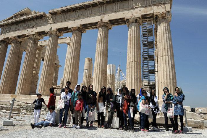 Τι έγινε με τον υπουργό Πολιτισμού και τους πρόσφυγες στην Ακρόπολη; - εικόνα 2