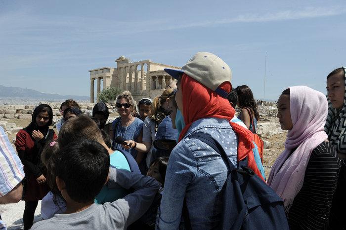 Τι έγινε με τον υπουργό Πολιτισμού και τους πρόσφυγες στην Ακρόπολη; - εικόνα 4