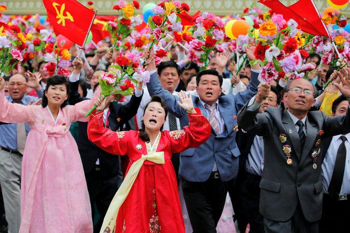Αποθεώθηκε ο Κιμ Γιονγκ Ουν στο συνέδριο του κόμματος - εικόνα 5
