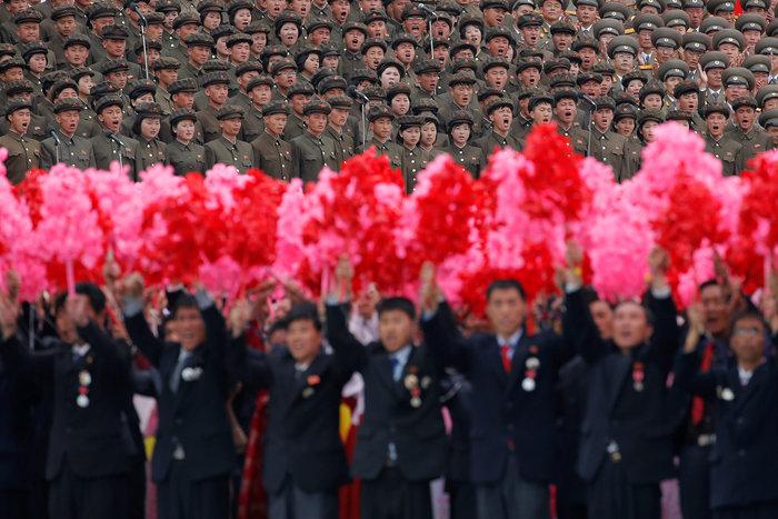 Αποθεώθηκε ο Κιμ Γιονγκ Ουν στο συνέδριο του κόμματος - εικόνα 7