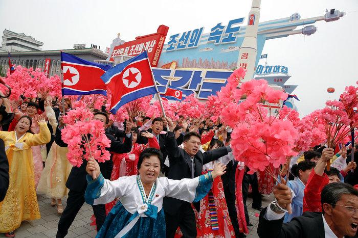 Αποθεώθηκε ο Κιμ Γιονγκ Ουν στο συνέδριο του κόμματος - εικόνα 8