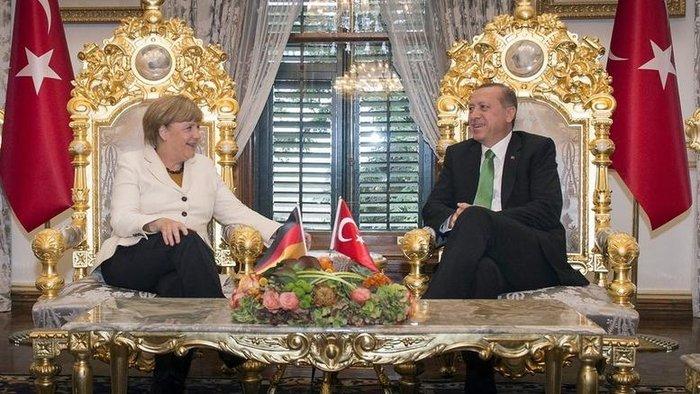 Ταγίπ Ερντογάν και Άνγκελα Μέρκελ στην Κωνσταντινούπολη