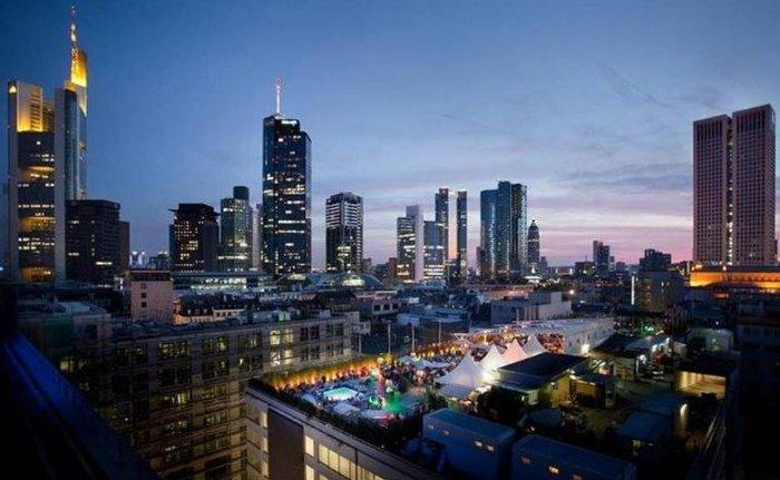 Τα πιο εντυπωσιακά rooftop bars για το 2016 - εικόνα 11