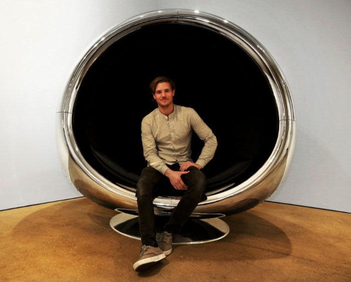 Αυτή η καρέκλα είναι φτιαγμένη από ανακυκλωμένο κινητήρα αεροπλάνου Boeing