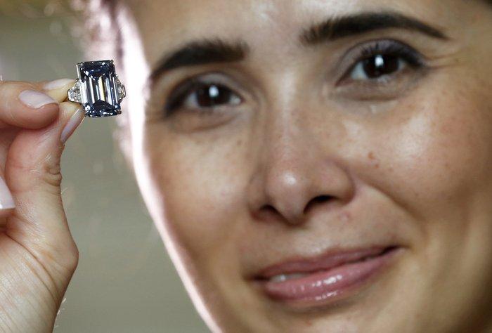 Το μεγαλύτερο μπλε διαμάντι του κόσμου βγαίνει σε δημοπρασία - εικόνα 4