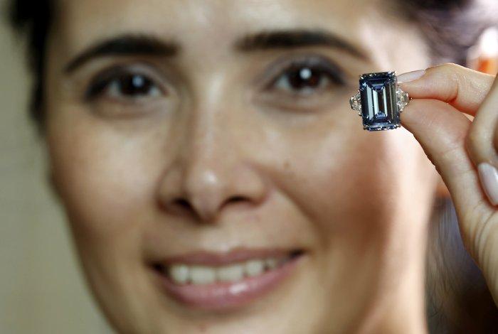 Το μεγαλύτερο μπλε διαμάντι του κόσμου βγαίνει σε δημοπρασία - εικόνα 5