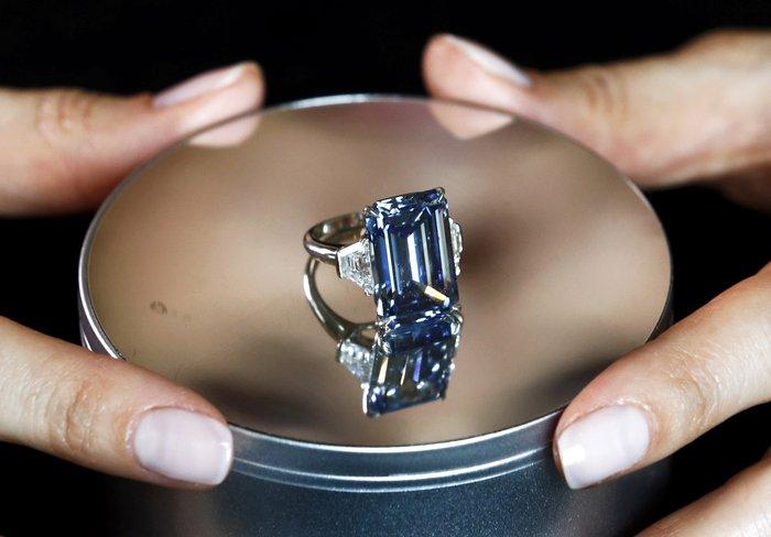 Το μεγαλύτερο μπλε διαμάντι του κόσμου βγαίνει σε δημοπρασία - εικόνα 6