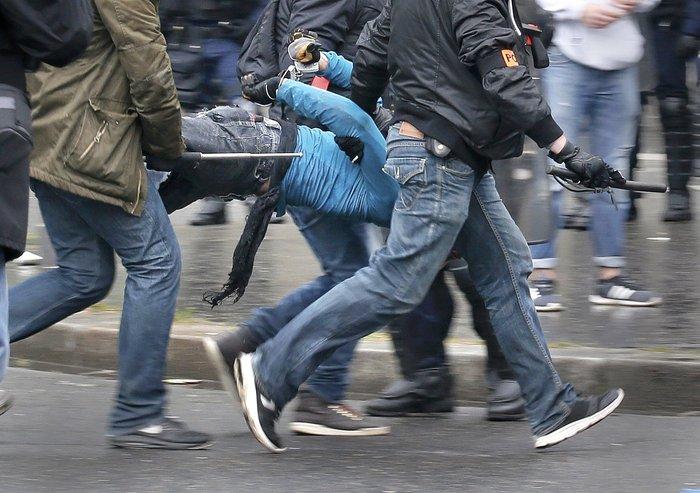 Εξέγερση στο Παρίσι για το προεδρικό διάταγμα των εργασιακών - εικόνα 3