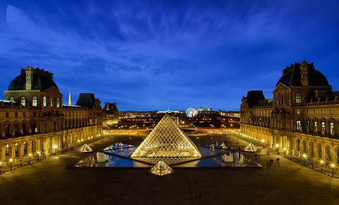 Ένα μεγάλο μουσείο ανοίγει στο Παρίσι και άλλες ιστορίες με σκάνδαλα