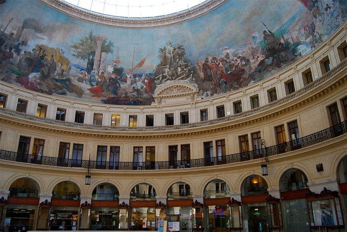 Το εσωτερικό του παλιού Χρηματιστηρίου