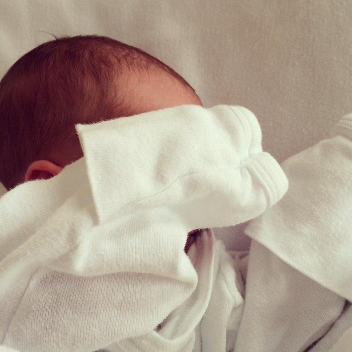 Η πρώτη φωτο του μωρού της Καραβάτου