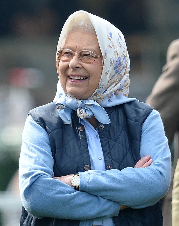 Φίλιππος: Ιππασία στα 95 υπό το βλέμμα της Ελισάβετ - εικόνα 3