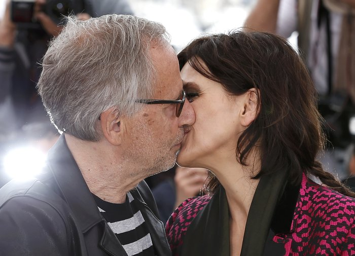 Ζ. Μπινός: Καυτά φιλιά και μια θεότρελλη κωμοδία στο Φεστιβάλ των Καννών - εικόνα 3