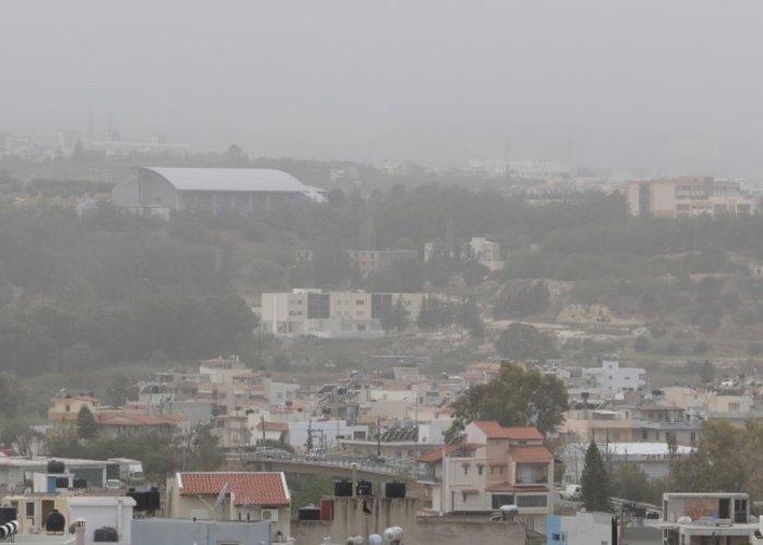 «Χάθηκε» το Ηράκλειο από την αφρικανική σκόνη