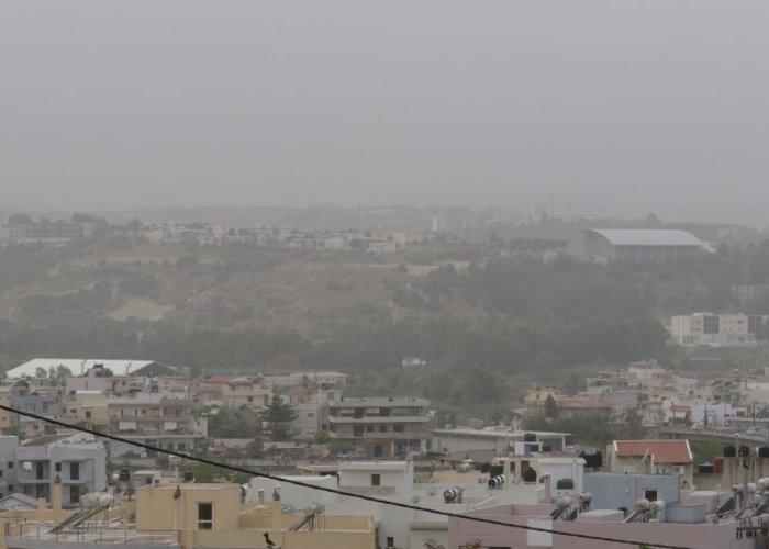 «Χάθηκε» το Ηράκλειο από την αφρικανική σκόνη - εικόνα 2