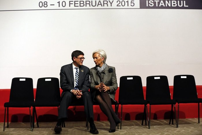 Ο αμερικανός υπουργός Οικονομικών με τη Γενική Διευθύντρια του Ταμείου Κ. Λαγκάρντ