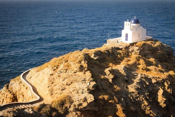 Καλύτερο νησί για τις μεγάλες και λαμπερές παραδοσιακές γιορτές και πανηγύρια