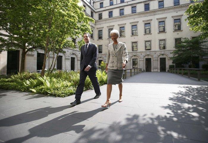 Η Κριστίν Λαγκάρντ με τον βρετανό υπουργό Οικονομικών Τζ. Όσμπορν
