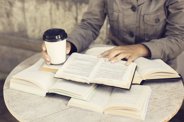 Άτομα που δεν συνηθίζουν να πίνουν καφέ συστήνεται να μην ξεκινήσουν την κατανάλωσή του κατά τη διάρκεια των εξετάσεων
