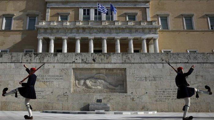 Το κεντρικό πρόβλημα της Ελλάδας δεν είναι το χρέος, αλλά η έλλειψη σχεδίου ανάπτυξης και στήριξης των μεταρρυθμίσεων, υποστηρίζει το μέλος της Επιτροπής «Σοφών» της γερμανικής οικονομίας Κλέμενς Φουέστ.