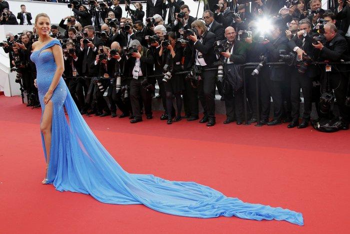 Η υπέροχη Μπλέικ Λάιβλι κλέβει τα φλας στην πρεμιέρα της νέας ταινίας του Σπίλμπεργκ.