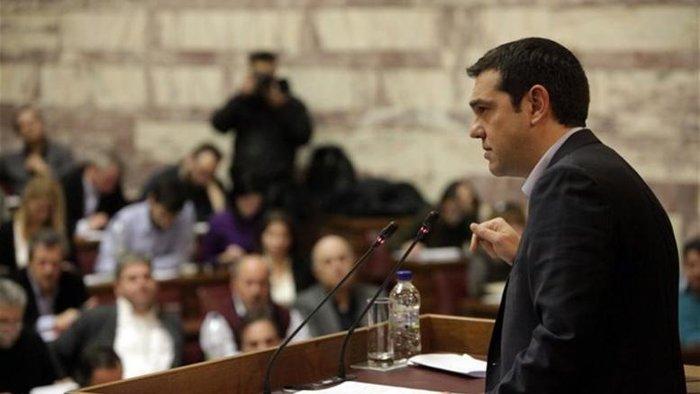 Ο Αλέξης Τσίπρας κατά τη διάρκεια συνεδρίασης της ΚΟ του ΣΥΡΙΖΑ