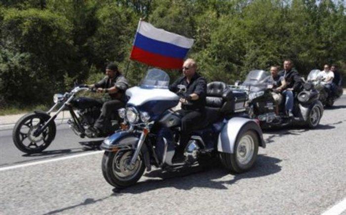 Οι «Λύκοι της νύχτας» του Πούτιν στο Άγιο Ορος - εικόνα 3
