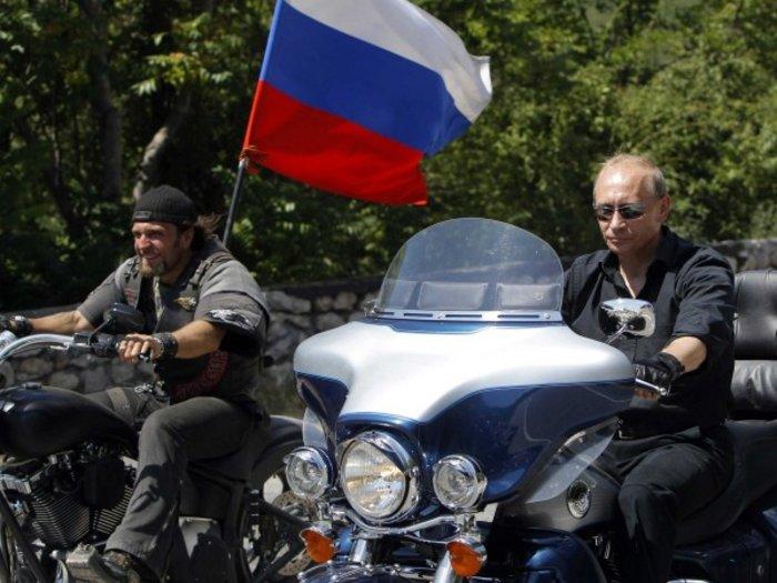 Οι «Λύκοι της νύχτας» του Πούτιν στο Άγιο Ορος - εικόνα 5