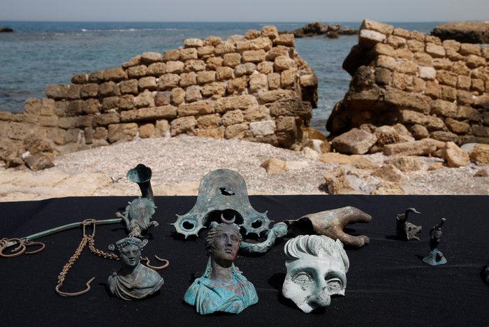 Ανακάλυψαν ρωμαϊκό ναυάγιο στο αρχαίο λιμάνι της Καισάρειας