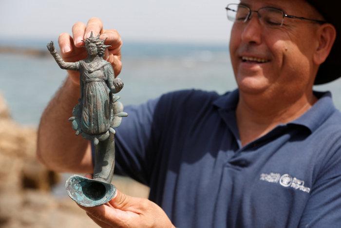 Ανακάλυψαν ρωμαϊκό ναυάγιο στο αρχαίο λιμάνι της Καισάρειας - εικόνα 4