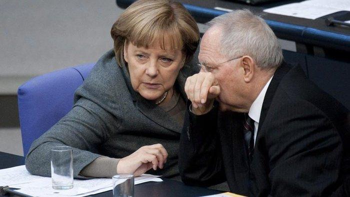 Άνγκελα Μέρκελ και Βόλφγκανγκ Σόιμπλε στο γερμανικό κοινοβούλιο