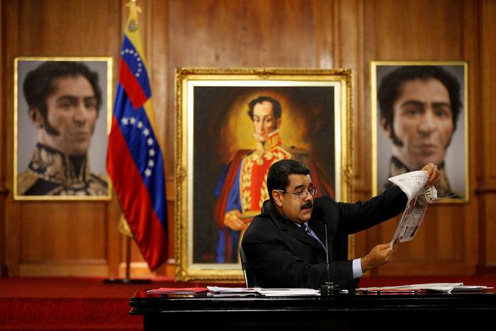 Η Βενεζουέλα «λυγίζει», ο Μαδούρο παραληρεί