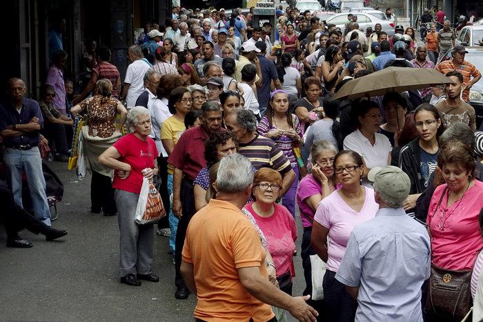 Η Βενεζουέλα «λυγίζει», ο Μαδούρο παραληρεί - εικόνα 2